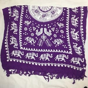 * Purple and whit elephant sarong